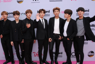 "BTS Awarded ""Top Social Artist"" at 2017 Billboard Music Awards"